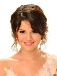 selena10 Top 10 Hairstyles from Selena Gomez