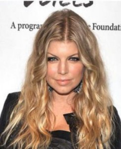 fergie7 245x300 Fergies Blonde Hair