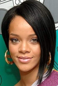 rihanna4 204x300 Rihannas Long Bob