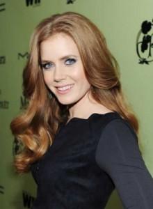 amy adams 220x300 Amy Adams Wavy Hairstyle