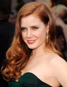 amy adams5 231x300 Amy Adams Wavy Hairstyle