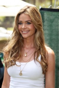 denise richards6 202x300 Denise Richards Long And Straight Hairstyle