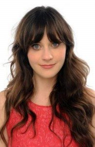 zooey deschanel 195x300 Zooey Deschanels Hairstyle with Bangs