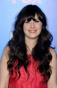zooey deschanel4 195x300 Zooey Deschanels Hairstyle with Bangs