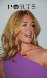 cat deeley3 182x300 Cat Deeleys Tousled Curls