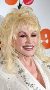 dolly parton5 169x300 Dolly Partons Hairstyle With Bangs