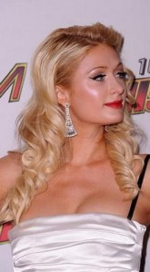 paris hilton3 165x300 Paris Hiltons Prom Hairstyle