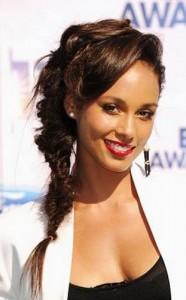 alicia keys3 186x300 Alicia Keys Hairstyle With Braids