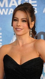sofia vergara6 174x300 Sofia Vergaras Ponytail With Bangs