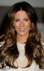 kate beckinsale 184x300 Kate Beckinsales Wavy Hairstyle