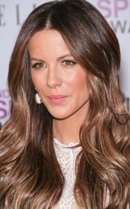 kate beckinsale5 187x300 Kate Beckinsales Wavy Hairstyle