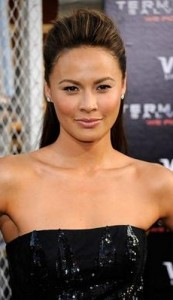 moon bloodgood 173x300 Moon Bloodgoods Straight Hairstyle