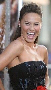 moon bloodgood2 171x300 Moon Bloodgoods Straight Hairstyle