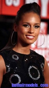 alicia keys21 166x300 Hairstyle With Punk Braid