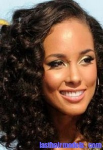 alicia keys3 205x300 Hairstyle With Water Waves