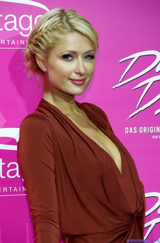 20111020 192053 Paris Hiltons side braid: look cute and chic together!