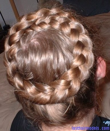 395214 com dutchcrown The 'Heidi' braid: The crown braid hairstyle