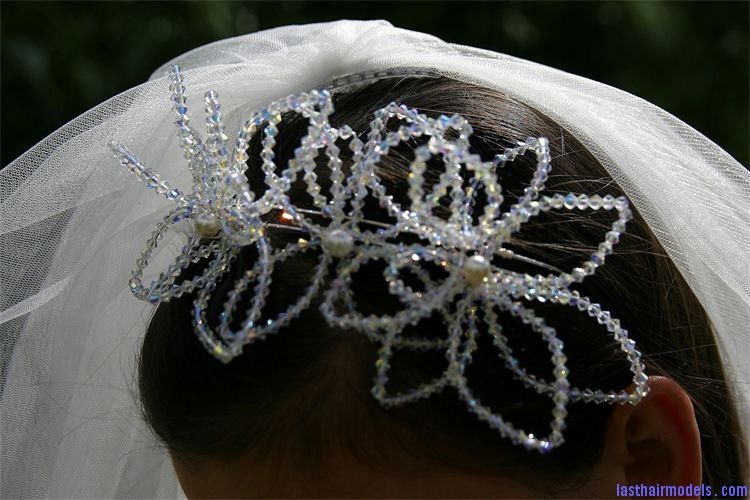 750 500 csupload 35507236 Crystal head wraps: Perfect hair accessory for your wedding