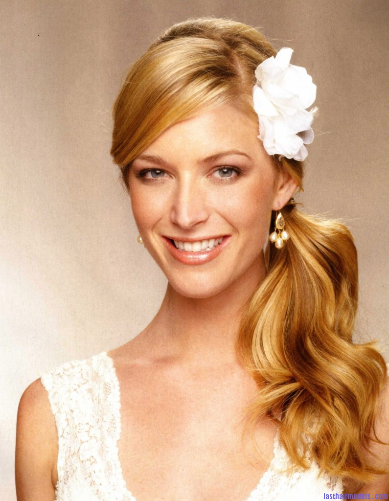 Beach Wedding Hairstyle 795x1024 Wedding on the row: different wedding hairstyles.