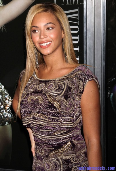 Beyonce+Knowles+World+Tour+New+York+Screening+Dy4t0t2WVjql Beyonce Knowles ultimate sleek hair: Extra straight with darker roots!