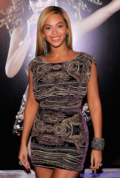 Beyonce+Knowles+World+Tour+New+York+Screening+Yd nXEa2PzHl Beyonce Knowles ultimate sleek hair: Extra straight with darker roots!