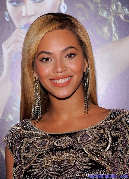 Beyonce+Knowles+World+Tour+New+York+Screening+crl8FI RQb1l Beyonce Knowles ultimate sleek hair: Extra straight with darker roots!