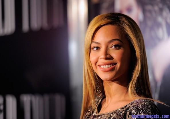 Beyonce+Knowles+World+Tour+New+York+Screening+qcY3dpsrY8el Beyonce Knowles ultimate sleek hair: Extra straight with darker roots!