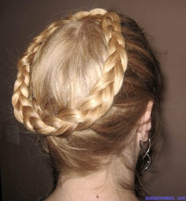 Crown Braid Hairstyle 2 The 'Heidi' braid: The crown braid hairstyle