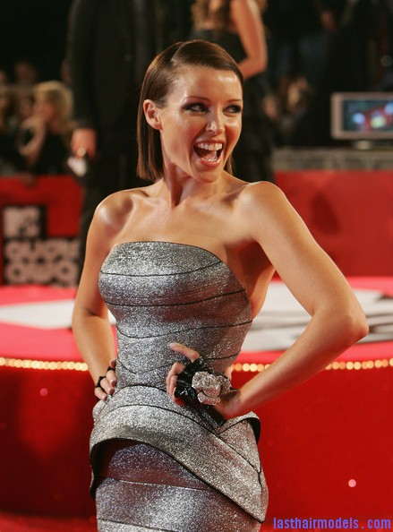 Dannii+Minogue+Arrivals+MTV+Australia+Awards+l0Js7ooj7G5l Dannis sleek back sweep: Go more bold this party season!