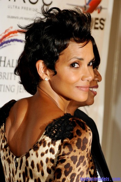 Halle+Berry+Celebs+Jenesse+Silver+Rose+Awards+crwtzbtbwVol Halle Berry's short pixie haircut: shorn up in style!