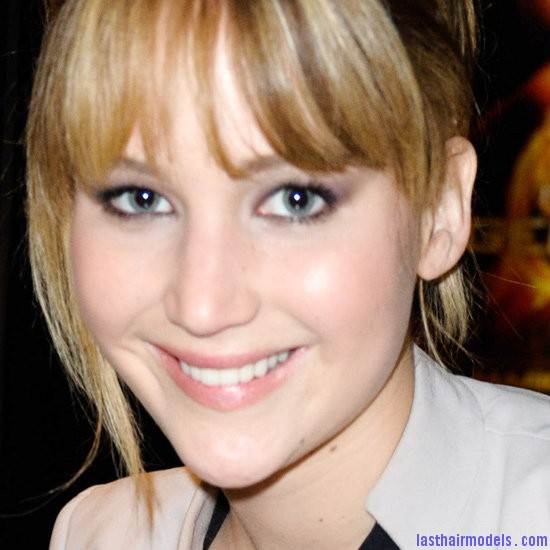 Hunger Games Cast Broward Mall Jennifer Lawrence's bangs with ponytail: A great messy look!!