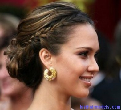 Jessica Alba braid Jessica Alba's two braids in style: The messy outlook for the perfect party!