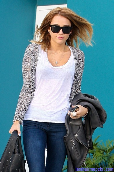Miley+Cyrus+at+Pilates+Y7IO6 Td S l Miley's medium sleek hairdo: Simple hairstyle for an outing.
