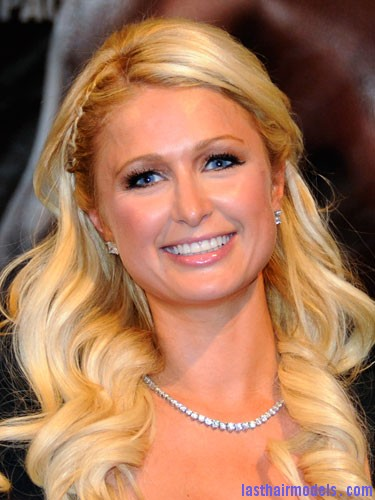 Paris Hilton celebrity plai Paris Hiltons side braid: look cute and chic together!