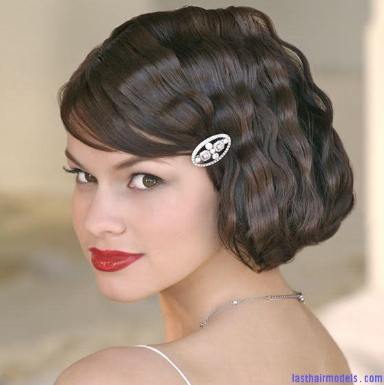 Wavy short wedding hairstyle with beautiful crystal hairclip and ...