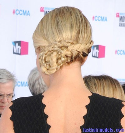 charlize theron braid back Charlize Theron's braid bun: The newer classy style!