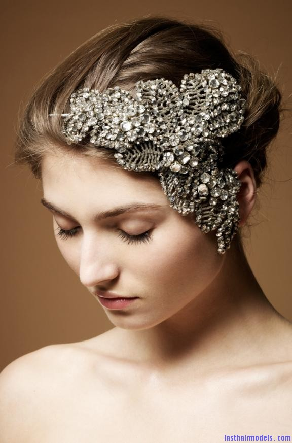 dramatic crystal encrusted bridal fascinator by jenny packham Crystal head wraps: Perfect hair accessory for your wedding