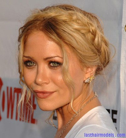 hair 4 The 'Heidi' braid: The crown braid hairstyle