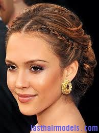 images 2 Jessica Alba's two braids in style: The messy outlook for the perfect party!