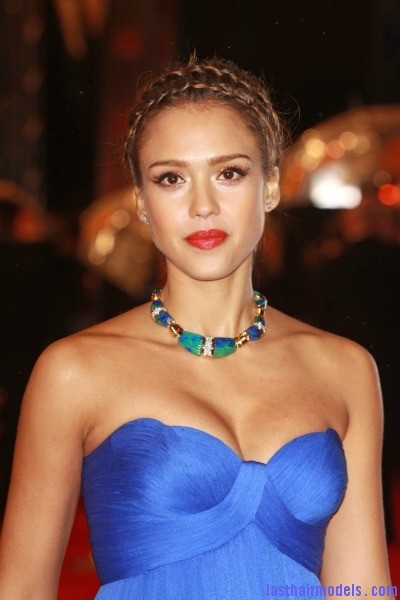 jessica albabraid Jessica Alba's double crown braid: Heidi braids at their best!!