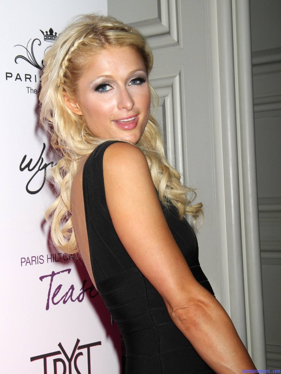 paris hilton las vegas party h Paris Hiltons side braid: look cute and chic together!
