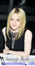 tumblr m24hvoDOlJ1rncn5qo8 400 Dakota Fanning's simple sleak hairdo: not a hair out of place and you look stunning!!