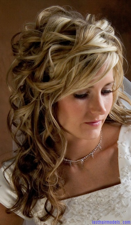 wedding hairstyles for long hair 1 Wedding on the row: different wedding hairstyles.