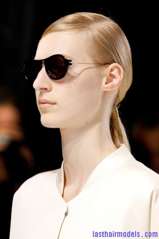 00010big 320x4801 Sleek ponytails at Dries Van Noten show: Best sleekness in fashion!