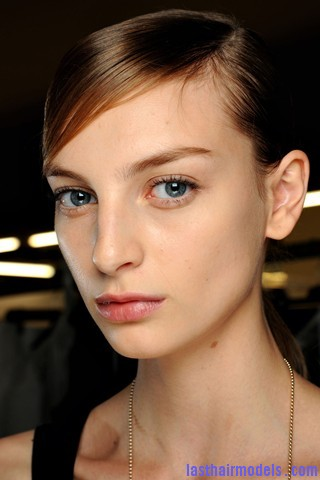 00220big 320x480 1 Sleek ponytails at Dries Van Noten show: Best sleekness in fashion!