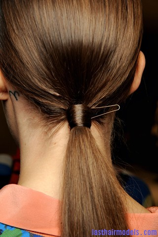 00240big 320x480 Sleek ponytails at Dries Van Noten show: Best sleekness in fashion!