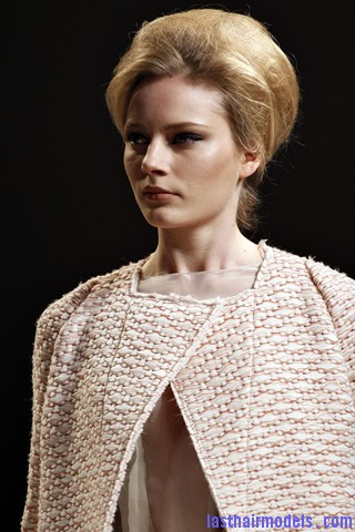 00260big 320x4804 Bottega Veneta fashion show models hairstyle: Thick high frizzy vintage buns!