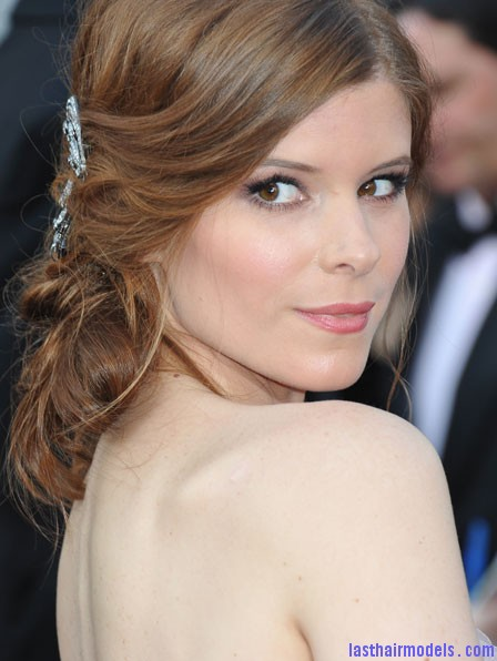 0226 kate mara oscars 2012 hair bd Kate Maras messy low do with crystals: the messy look is super in!!