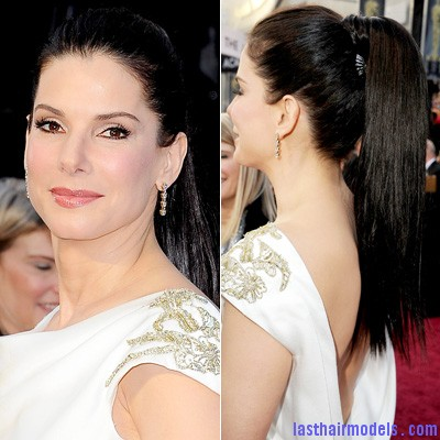 022612 Sandra Bullock 400 Sandra Bullock's high ponytail: Perfect match for her monochrome dress!