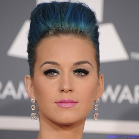 0a12ba1fcf0fb7e2 Katy Perry.preview Katy Perry's high poof bun: Blue bun style changed!